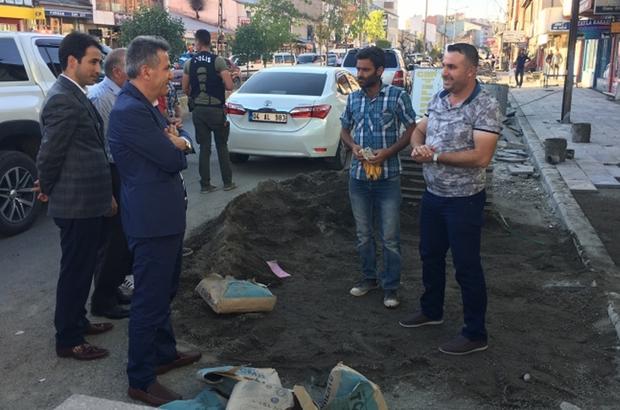 Vali Elban, kaldırım çalışmalarını inceledi