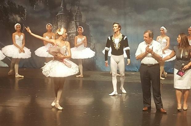 """Ünlü Bale topluluğu """"Moscow State Ballet"""" izleyenleri büyüledi"""
