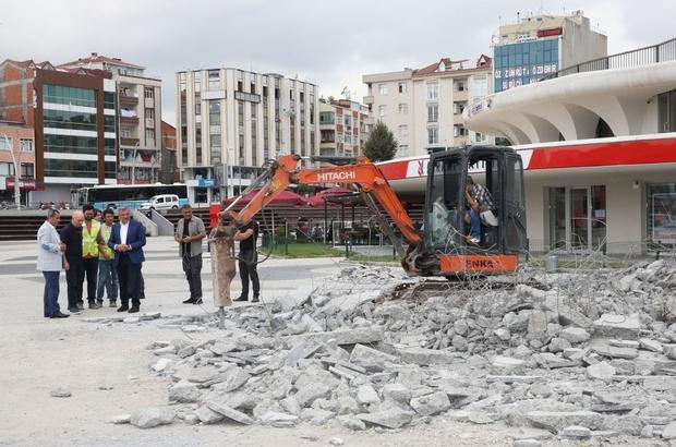 Zeytinburnu 15 Temmuz Meydanı'nda yenileme çalışmaları başladı