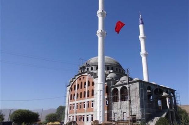 Çıldır Yeni Cami yapımına devam ediliyor