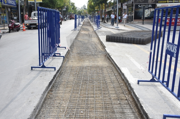 Tramvay yolunda inşaat başladı