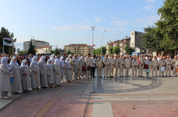 Safranbolu'da hacı adayları dualarla uğurlandı