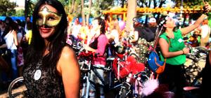 """Ankara'da """"Süslü Kadınlar Bisiklet Turu"""""""