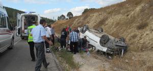 Tokat'ta hafif ticari araç devrildi: 4 yaralı