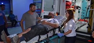 Adana'da minibüs ile kamyonet çarpıştı: 11 Yaralı