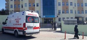 Başına askı saplanan öğrenci hastaneye kaldırıldı