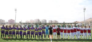 Suriyeliler futbol turnuvasında buluştu