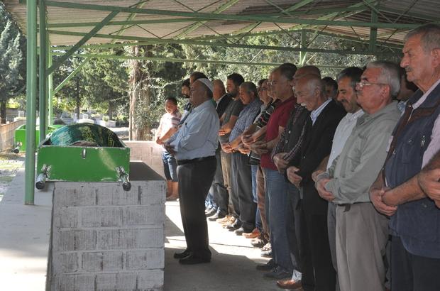 Hatay'daki kazada ölen baba ve kızının cenazeleri toprağa verildi