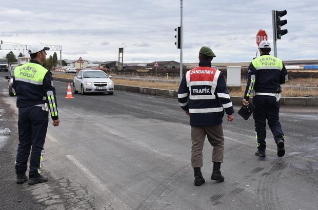 """Kars'ta """"Türkiye Trafik Güvenliği 7"""" uygulaması"""