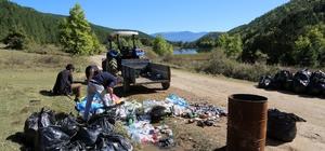 Kamp alanından 4 günde 3 kamyon çöp toplandı