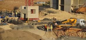 Yüksekova'da terör mağdurları için konut yapımı sürüyor