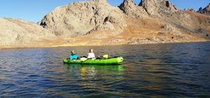 İkiyaka Dağları'nda kano keyfi