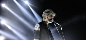 Manuş Baba Isparta'da konser verdi