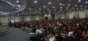 """""""ABD'de yaşayan Türk Diasporasının İslam ve Kimlik Algısı"""" konferansı"""