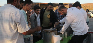 Savaş mağdurlarına çorba ikramı