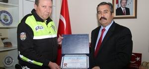 Trafik polislerine rüşvet teklif edildiği iddiası