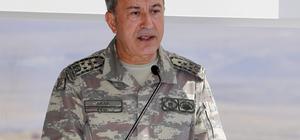 """Genelkurmay Başkanı Orgeneral Akar: """"Irak'ın kuzeyinde ülkemizin ve bölgemizin istikrar ve güvenliğini yakından ilgilendiren gayrimeşru bir referandum yapılmıştır. Bu husus yakından takip edilmekte olup bundan kaynaklanan önemli güvenlik tehdidine karşı gerekli çalışmalar yürütülmekte ve gereken tüm tedbirler alınmaktadır."""""""
