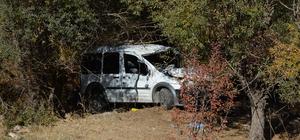 Hafif ticari araç uçuruma yuvarlandı: 1 ölü, 1 yaralı
