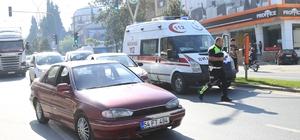 Ambulansın çarptığı çocuk yaralandı