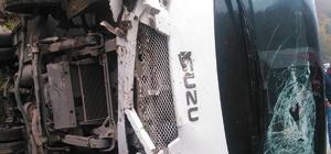 Giresun'da midibüs devrildi: 16 yaralı