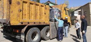 Başkale Belediyesi 600 çöp konteyneri aldı