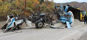 Kastamonu'da iki kamyon çarpıştı: 3 yaralı