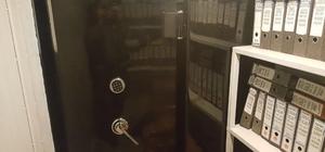 FETÖ'den tutuklu sanığın iş yerinde gizli kasa odası bulundu