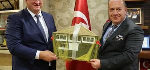 """""""Türkiye-Ukrayna Diplomatik İlişkilerinde 25. Yıl"""" Sempozyumu"""
