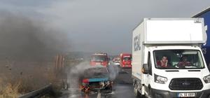 Manisa'da araç yangını: 3 yaralı