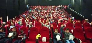 Altıntaş'ta öğrencilere sinema etkinliği