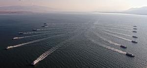 Akdeniz'in yıldızları İzmir'i selamladı
