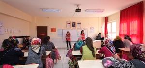 """Osmaniye'de """"Aile İçi İletişim ve Bilinçli Medya Kullanımı"""" eğitimi"""