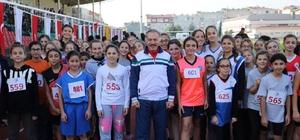 Atatürk Kır Koşusu'nda dereceye giren öğrenciler ödüllendirildi