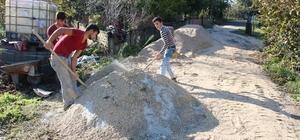 Akçakoca'da yol yapım çalışması sürüyor