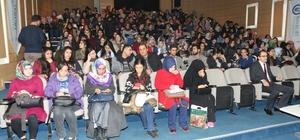 'Diyabet ve Beslenme' paneline öğrencilerden yoğun ilgi
