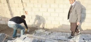 Kahta'da kaldırım çalışmaları sürüyor