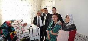 Niğde Belediye Başkanı Özkan'dan engelli vatandaşa ziyaret
