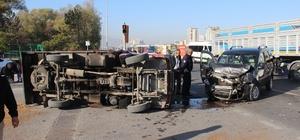 Zincirleme kazada kamyonet yan yattı