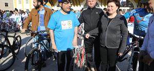 Diyabete dikkati çekmek için bisiklet sürdüler
