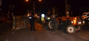 Adana'da otomobil ile traktör çarpıştı: 4 yaralı
