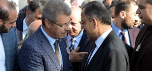 Çevre ve Şehircilik Bakanı Özhaseki'den Başkan Akay'a teşekkür
