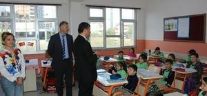 Müdür Atinkaya okullarda incelemelerde bulundu