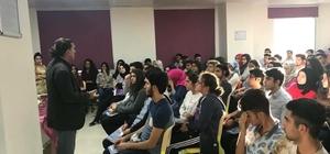 Mardin'in Kızıltepe ilçesinde doğru eğitim için seminerler veriliyor