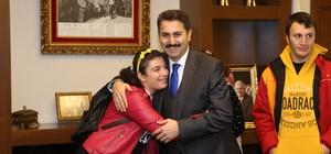 Başkan Eroğlu, engelli öğrencileri makamında konuk etti