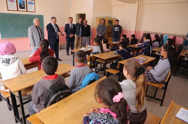 Başkan Cabbar'dan Erciyes Ortaokulunu ziyaret etti