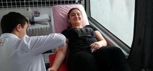 Fatsa'da öğrenci ve velilerden kan bağışı