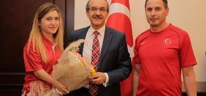 Dünya şampiyonu para-tekvandocudan Vali Yavuz'a ziyaret