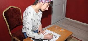 Engelli ressam üniversite eğitimi için destek bekliyor