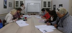 Konak Belediyesinden yabancılara ücretsiz Türkçe kursu