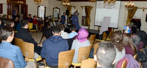 "Gençlik Meclisinden ""Kendi Potansiyelini Keşfet"" semineri"
